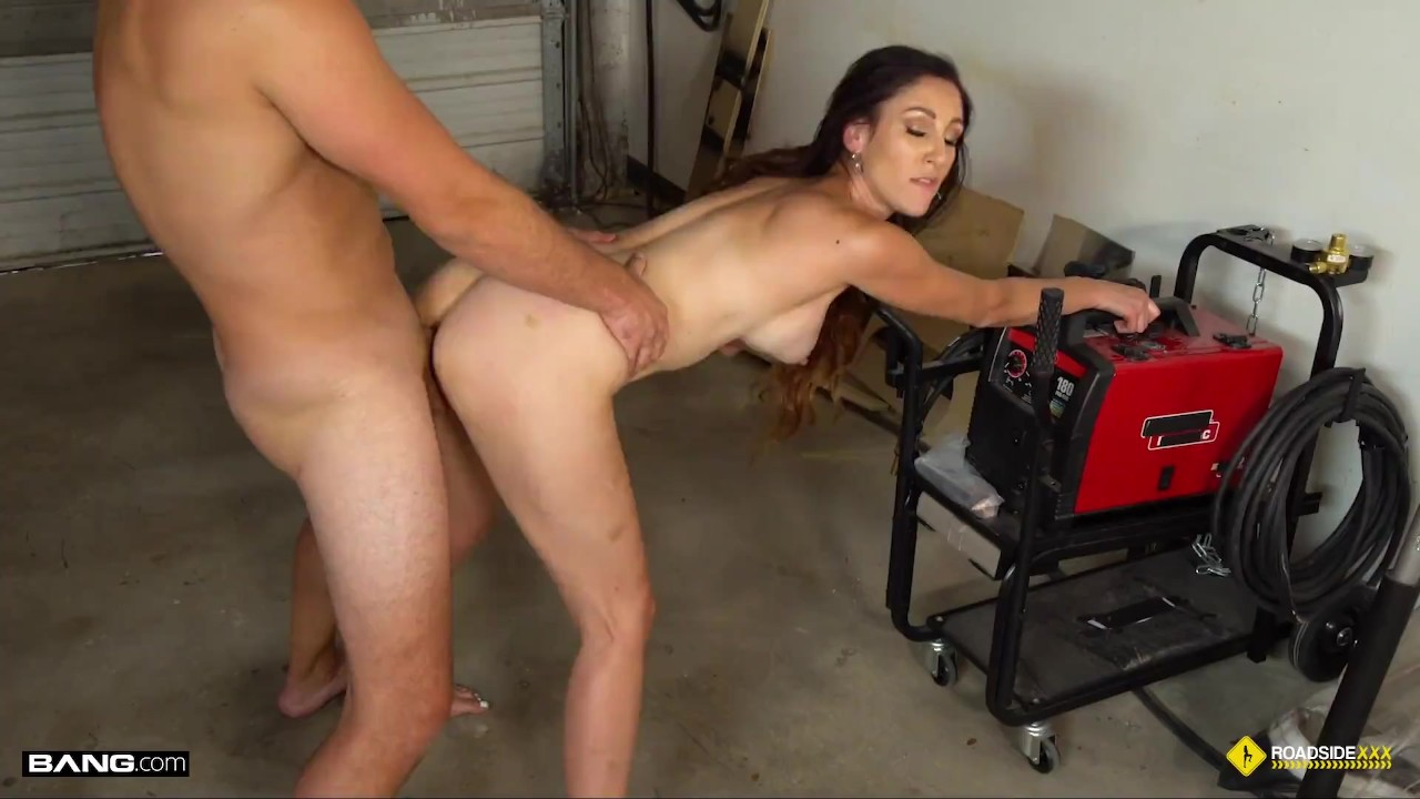 Roadside – Artemisia Love Fucks For Discount On Her Rental Car video